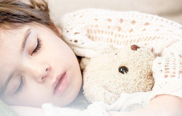 幼少期に睡眠学習がおススメな理由